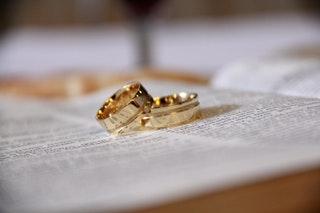 Hogyan vásárolj karikagyűrűt az interneten?